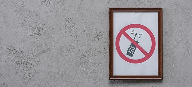 Kommt das Handyverbot für deutsche Schwimmbäder?